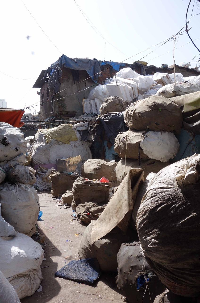 Dharavi – Wie leben Menschen in einem Slum?